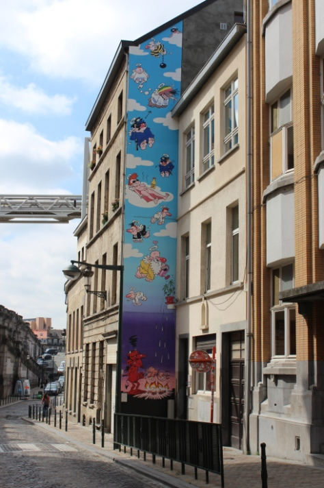 Comic Strip Mural: Passe-moi l'ciel (Oh, Sweet Heaven!)